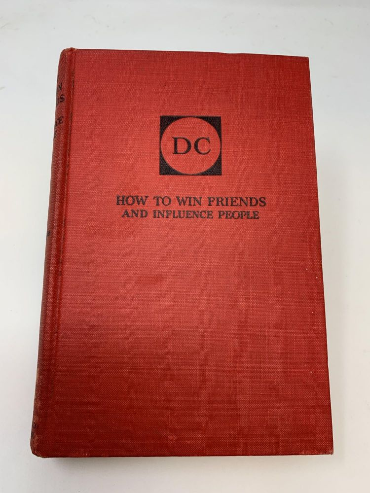 HOW TO WIN FRIENDS AND INFLUENCE PEOPLE (SIGNED). Dale Carnegie.