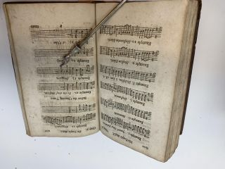 THE TEMPLE MUSICK : OR, AN ESSAY CONCERNING THE METHOD OF SINGING THE PSALMS OF DAVID, IN THE TEMPLE, BEFORE THE BABYLONISH CAPTIVITY. WHEREIN, THE MUSICK OF OUR CATHEDRALS IS VINDICATED, AND SUPPOSED TO BE CONFORMABLE, NOT ONY TO THAT OF THE PRIMITIVE CHRISTIANS, BUT ALSO TO THE PRACTICE OF THE CHURCH IN ALL PRECEEDING AGES